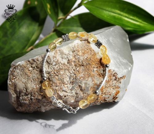 vòng đá phong thủy
